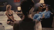Натали Лисинска ждет секса в постели