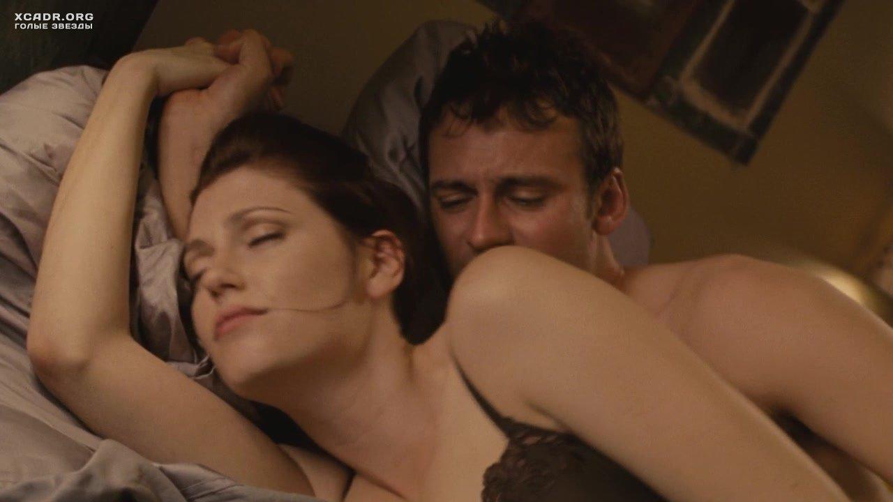 Целуясь трахающиеся молодежный фильм с эротическими сценами секса анал дрочка