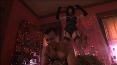 3. Лив Тайлер в роли госпожи – Ночь в баре Маккула