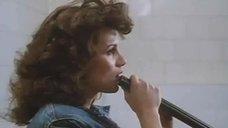 5. Откровенная сцена с Сереной Гранди в стрелковом клубе – Ночная женщина