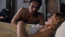 Эрика Савастани Ублажает Себя Перед Зеркалом – Искушение (1995) (1995)