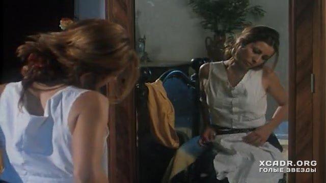 Обнаженная Джульетт Льюис – Странные Дни (1995)
