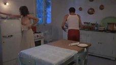 8. Энни Кэрол Эдел изменяет мужу на кухонном столе – Племянница