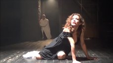 1. Екатерина Климова светит грудью в спектакле «Мастер и Маргарита»