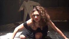 Екатерина Климова светит грудью в спектакле «Мастер и Маргарита»