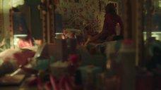 1. Постельная сцена с Эми Лу Вуд – Половое воспитание