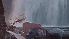 Любовь Орлова прыгает голой в воду
