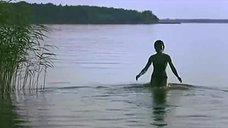2. Сексуальная Юлия Рудина в купальнике – Боец 2: Рождение легенды