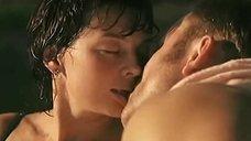 9. Сексуальная Юлия Рудина в купальнике – Боец 2: Рождение легенды