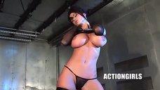 Обнаженная Вероника Земанова показывает свое шикарное тело
