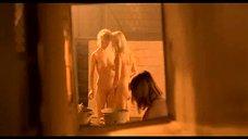 2. Подростки подглядывают за девками в бане – Умножающий печаль
