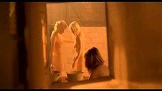 3. Подростки подглядывают за девками в бане – Умножающий печаль