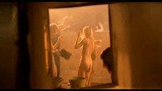 4. Подростки подглядывают за девками в бане – Умножающий печаль