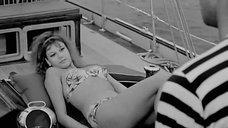 Стефания Сандрелли в купальнике