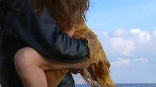 7. Соблазнительная Эллен Слюсарччи в коротком платье – Когда боги уснули