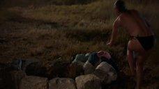 1. Катерина Шпица с голой грудью выбегает из моря – Крымский мост. Сделано с любовью!