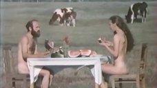 Голая Лидия Байрашевская кушает арбуз