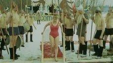 3. Виолетта Жухимович в купальнике нырнула в прорубь – Праздник Нептуна