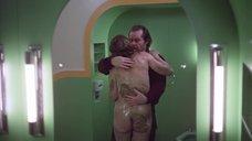 10. Сцена в ванной с голой Лией Белдам – Сияние