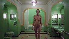 4. Сцена в ванной с голой Лией Белдам – Сияние