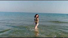 Анна Цуканова в купальнике