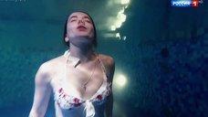 Людмила Свитова в купальнике