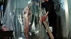 Ирина Селезнева моется в душе