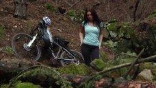 1. Секс сцена с Талитой Люк-Эрдлей в лесу – Поворот не туда 6: Последний курорт
