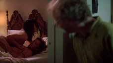 2. Секс сцена с Дженнифер Тилли – Побег (1994)