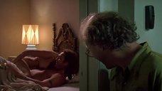 5. Секс сцена с Дженнифер Тилли – Побег (1994)