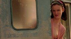 4. Джульетт Льюис показала голую грудь – Калифорния