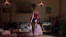 4. Секси Джульетт Льюис танцует стриптиз – Ромео истекает кровью