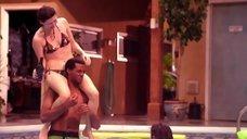 Джуэл Стэйт в купальнике