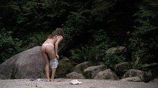 6. Кристал Лоу в белье на пляже – Поворот не туда 2: Тупик