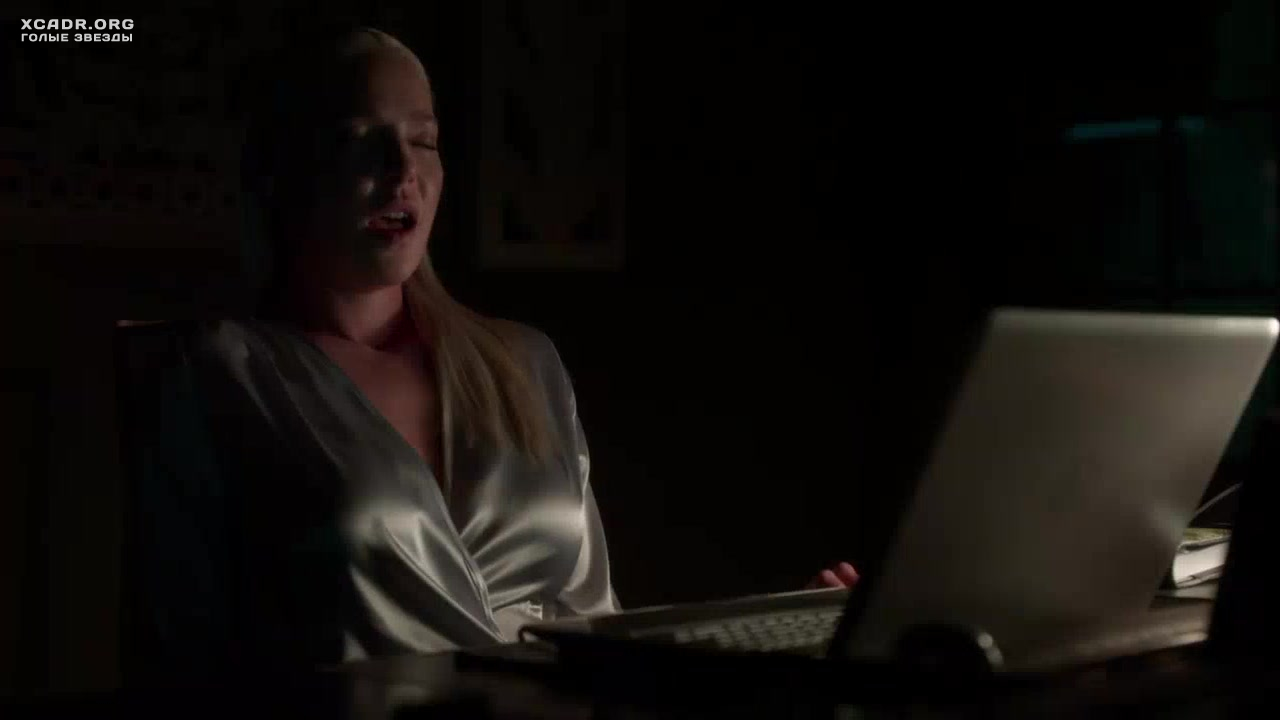 Знаменитости мастурбируют онлайн, порно онлайн майк адриано