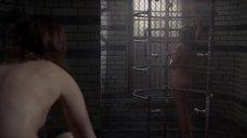 Лиззи Брошере голышом