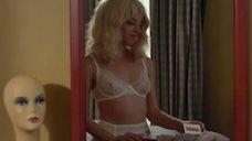Оливия Тирлби в эротическом белье