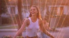 Сексуальная Кери Рассел в мокрой майке