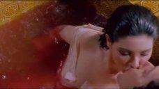 Мокрая и соблазнительная Эдвиж Фенек в ванной