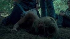 1. Сцена изнасилования Сары Пэкстон в лесу – Последний дом слева