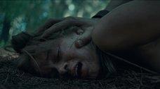 8. Сцена изнасилования Сары Пэкстон в лесу – Последний дом слева