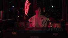 7. Эротическая сцена с Ребеккой Холл – Разрешение