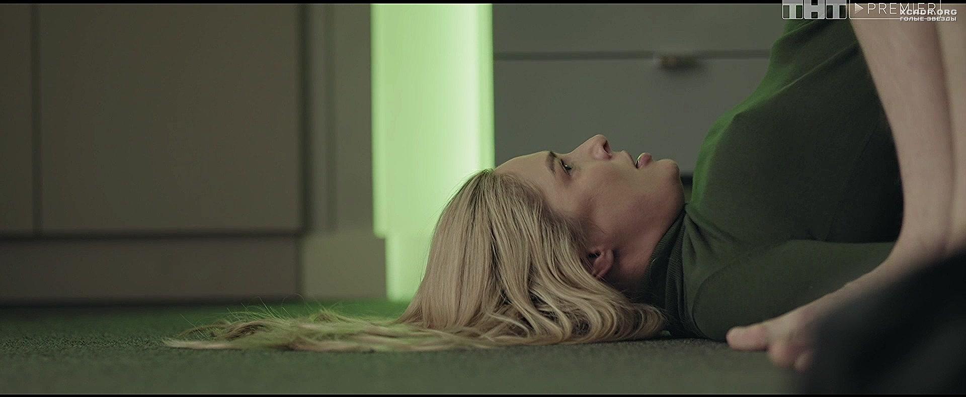 Видео постельных сцен с натальей рудовой, блондинка обнажается перед камерой