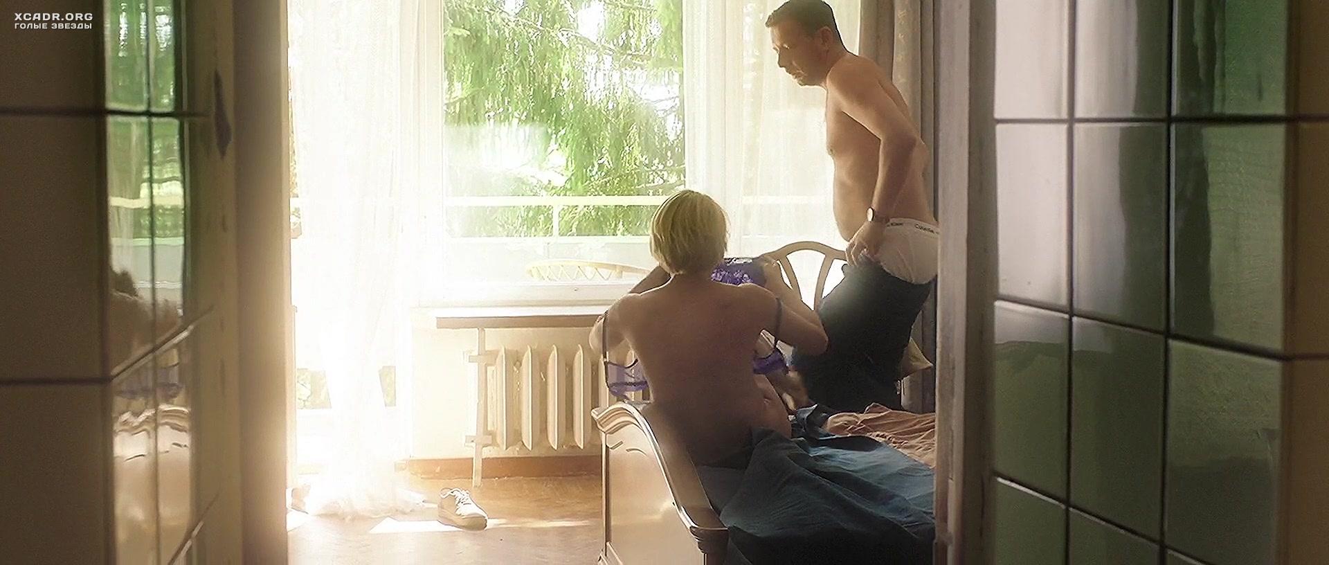trah-s-viktoriey-tolstoganovoy-porno-devushki-sosut-foto-smotret