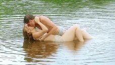 1. Секс сцена с Таисией Вилковой в воде – Выше неба (2019)