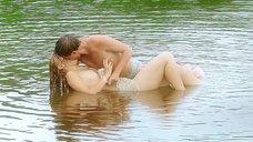 2. Секс сцена с Таисией Вилковой в воде – Выше неба (2019)