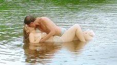 3. Секс сцена с Таисией Вилковой в воде – Выше неба (2019)
