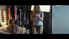 2. Александра Бортич в нижнем белье на фотосессии – Обычная женщина