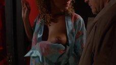 7. Сексуальная Эллен Юуизи в халате – Мастера ужасов