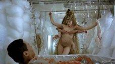 Сексапильная Летиция Каста без одежды
